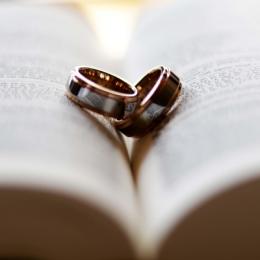 Как понять, что ваш избранник женат?